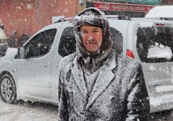Yüksekova'da kar esareti