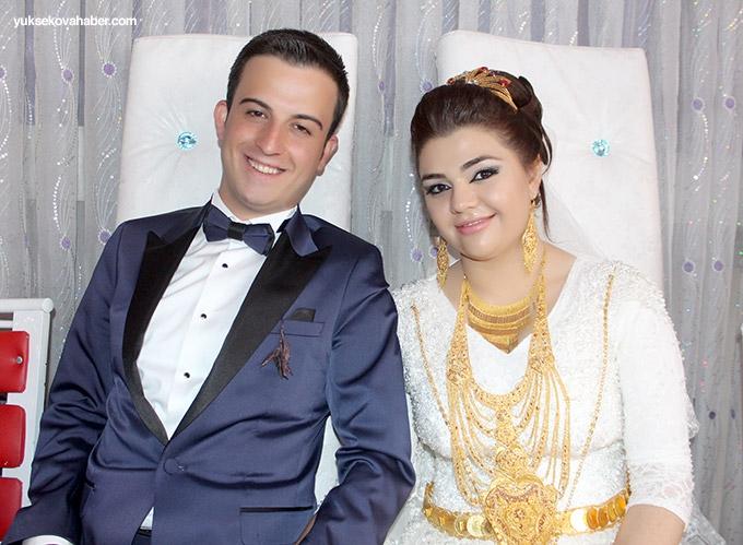 Özdemir ailesinin mutlu günü - Yüksekova Düğünleri 1