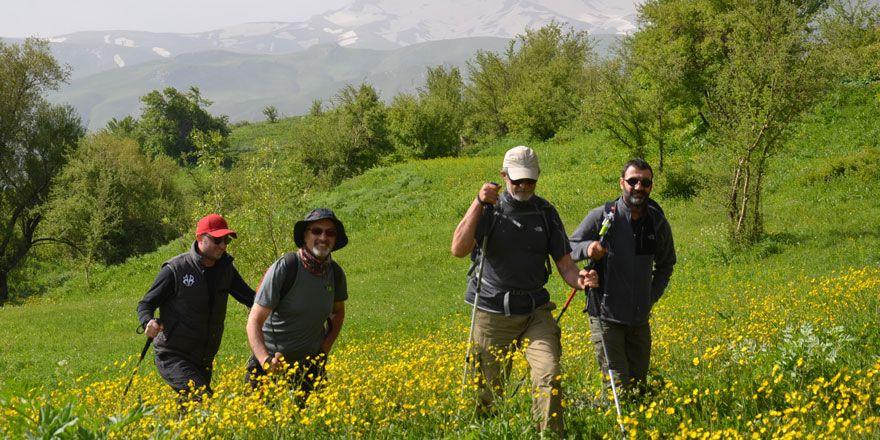 Yüksekova'nın Doğa yürüyüşçüleri grubu: Cilo Trekking