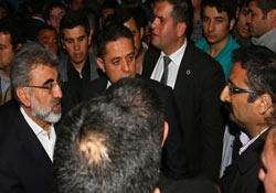 Bakan Yıldız'a 'istifa' protestosu