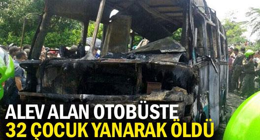 Kolombiya'da alev alan otobüste 32 çocuk yanarak öldü