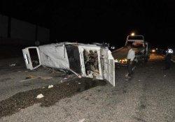 Otomobil devrildi: 5 yaralı