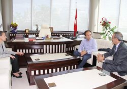 Baydemir'den Bağlar Belediye Eş Başkanları Akat Ve Güler'e Ziyaret