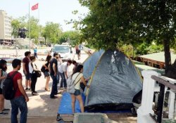Gezi Çadırları Yeniden Kuruldu