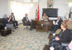 Şemdinli BDP İlçe Örgütü Belediye Başkanlarını Ziyaret Etti