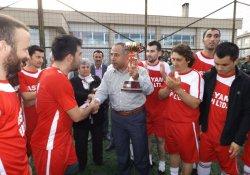 Ahmet Tezcan Kupası Şampiyonu Asyam Yapı Oldu