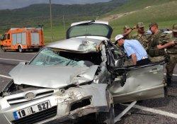 Ağrı'da Trafik Kazaları: 1 Ölü, 8 Yaralı