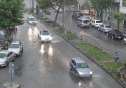 Urfa'da Sağanak Yağmur
