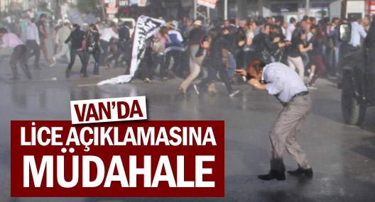 Van'da polis basın açıklamasına tazyikli suyla müdahale etti