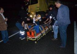 Tır Kamyona Çarptı: 1 Yaralı