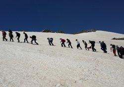 Hakkari'de Doğa Yürüyüşü Ve Zirve Tırmanışı