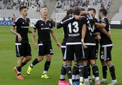 Beşiktaş'ta stoper belirsizliği