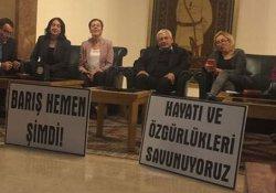 CHP ve HDP'li eski vekiller Meclis'te eyleme başladı