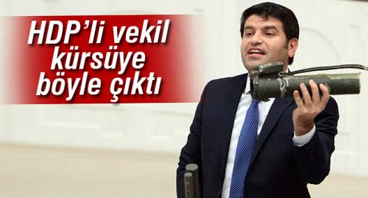 HDP'li vekil Meclis kürsüsüne silah parçaları ile çıktı