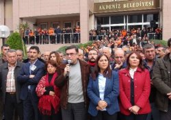 Akdeniz Belediyesi'ne yapılan operasyon Meclis'e taşındı