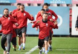 Galatasaray'da Akhisar'a karşı 4 eksik