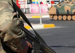 Sur'da 2 asker yaralandı