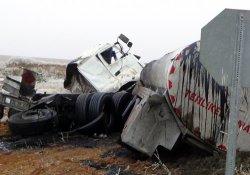 Kırıkkale'de iki ayrı trafik kazası: 3 ölü, 17 yaralı