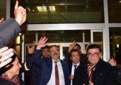 DBP'li başkan serbest