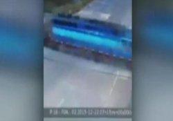 Tren otobüsü biçti: 4 ölü, 23 yaralı