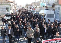 Başkale'de yasaklara karşı binler yürüdü