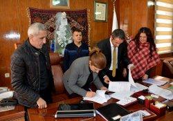Hakkari Belediyesi'nde TİS imzalandı