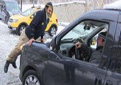 İstanbul'da sürücülerin karla imtihanı