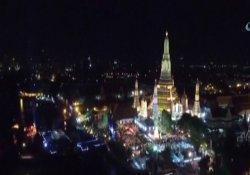 Tayland yeni yılı havai fişeklerle karşıladı