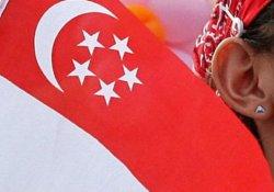 İsrail'den Singapur'a 'bayraktan masa örtüsü' özrü