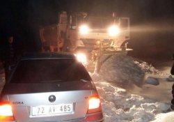 3 avcı karda mahsur kaldı