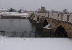Edirne'ye yılın ilk karı düştü