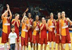 Galatasaray Beşiktaş'ı farklı geçti
