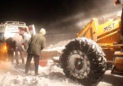 Mahsur kalan köylülerin yardımına belediye ekipleri koştu