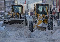 Hakkari'de karla mücadele çalışmaları