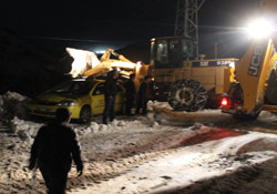 Şemdinli'de kar temizleme çalışmaları