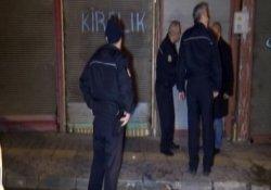 Suriyeli arkadaşlar berber dükkanında bıçaklandı