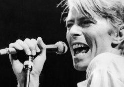 David Bowie yaşamını yitirdi