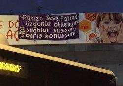 Kadınlar İstanbul'da 'savaşa karşı barış için' nöbette