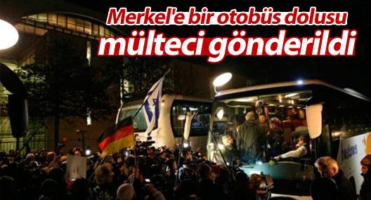 Merkel'e bir otobüs dolusu mülteci gönderildi