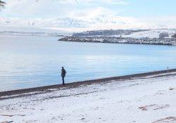 Van Gölü'nde kış güzelliği