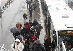 Metrobüsler çarpıştı: 5 yaralı