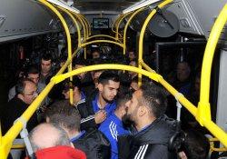 Tuzlaspor, 500 T hatlı otobüsle Kadıköy'e geldi