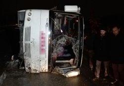 Sakarya'da midibüs devrildi: 5 yaralı
