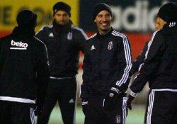 Beşiktaş'ta yeni transferler ilk idmanına çıktı
