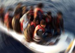 Malezya'da mülteci botu battı: 13 ölü