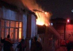 Beyoğlu'nda korkutan gecekondu yangını
