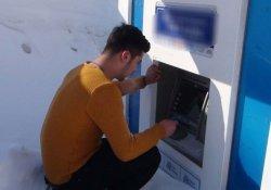 ATM kara gömüldü