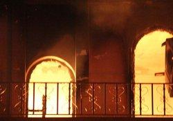 Ölümlü kavganın husumeti bitmiyor: Urfa'da 2 ev daha yakıldı