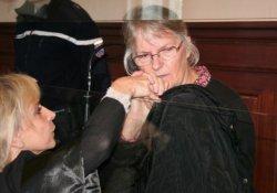 Fransa'da tacizci kocasını öldüren kadına af