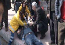 Kamyonet otobüsle çarpıştı: 10 yaralı
